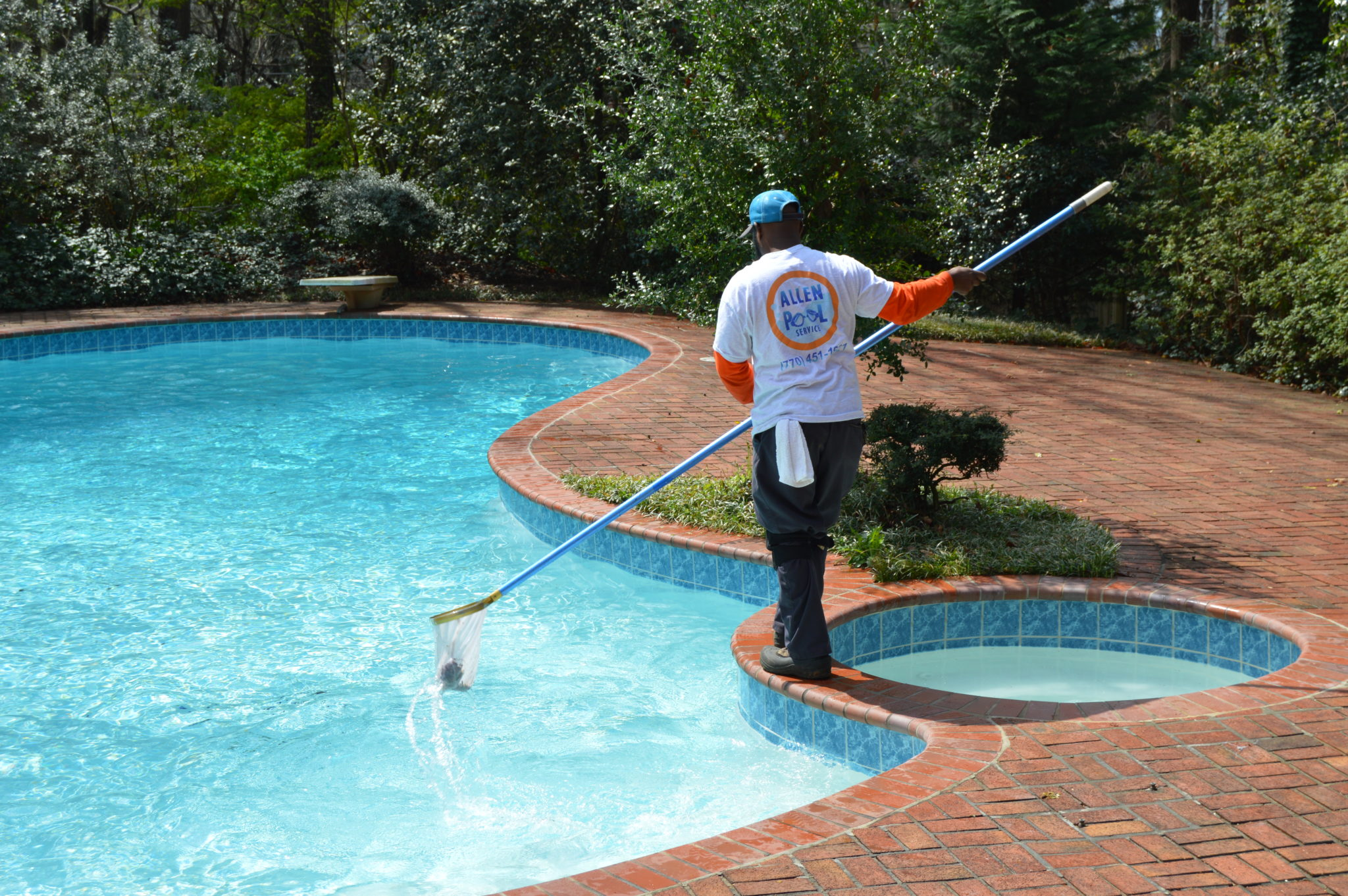 Are you finding the latest swimming pool services in your city?